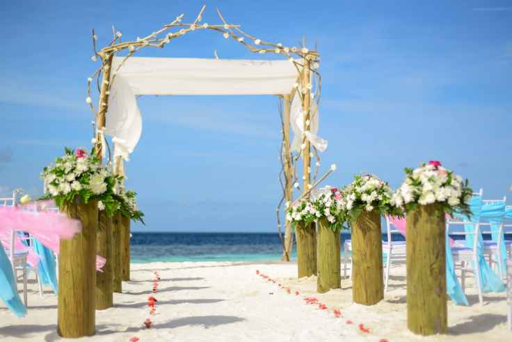 beach blue sky chairs decor